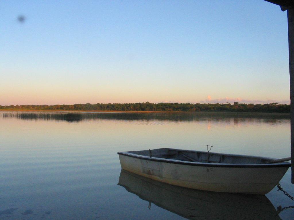 Foto de laguna blanca paraguay for Viveros en paraguay