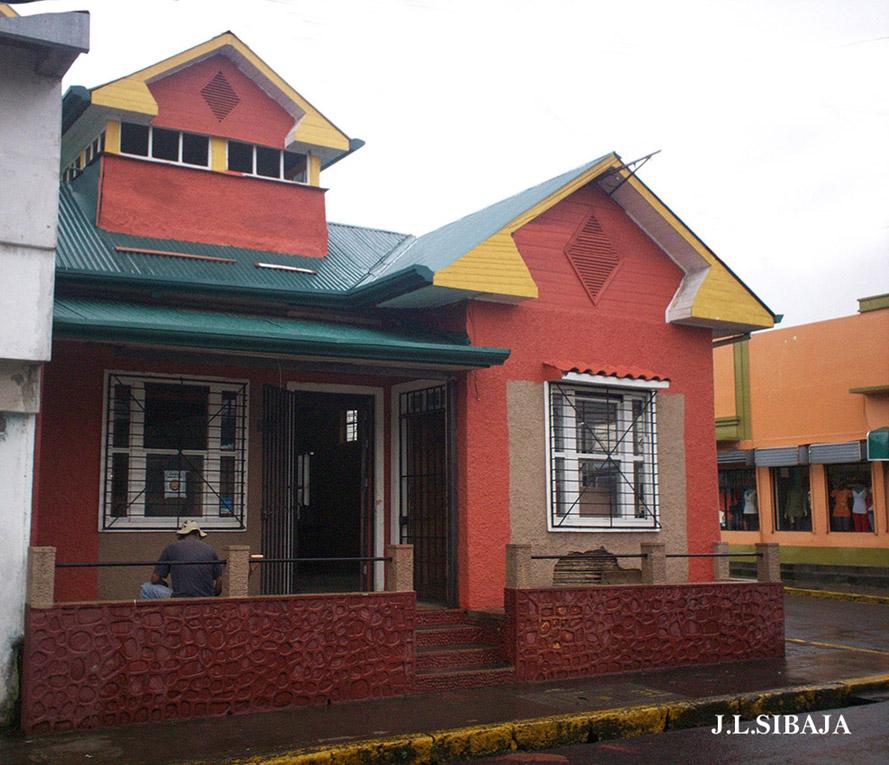 Casas antiguas stunning casa adobe with casas antiguas for Reformas de casas viejas