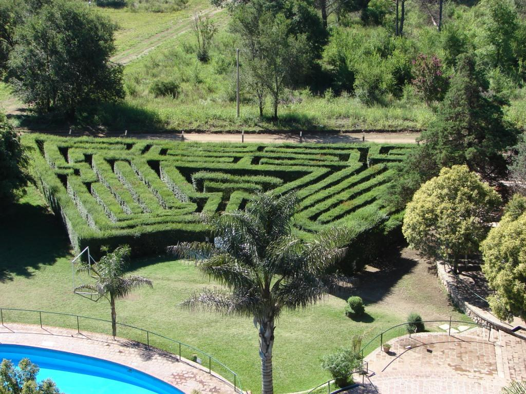 Villa Del Dique Argentina  city photo : ... del sur argentina villa del dique cordoba vista del laverinto en el