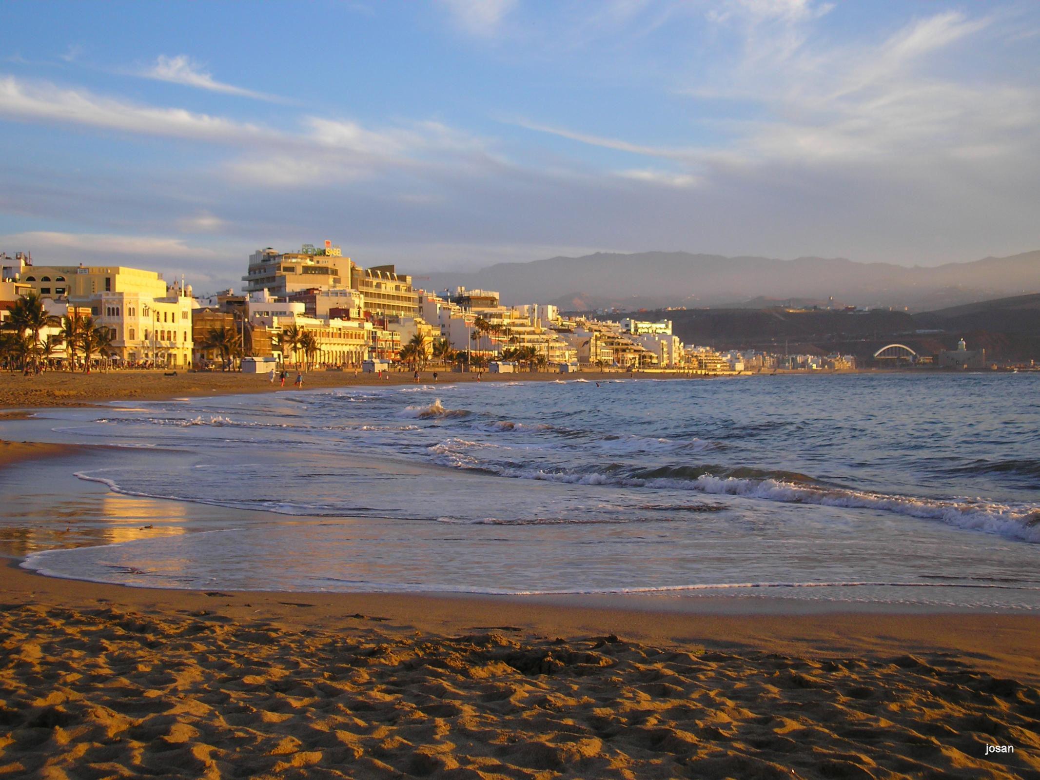 Foto playa de las canteras al atardecer las palmas de - Fotografia las palmas ...