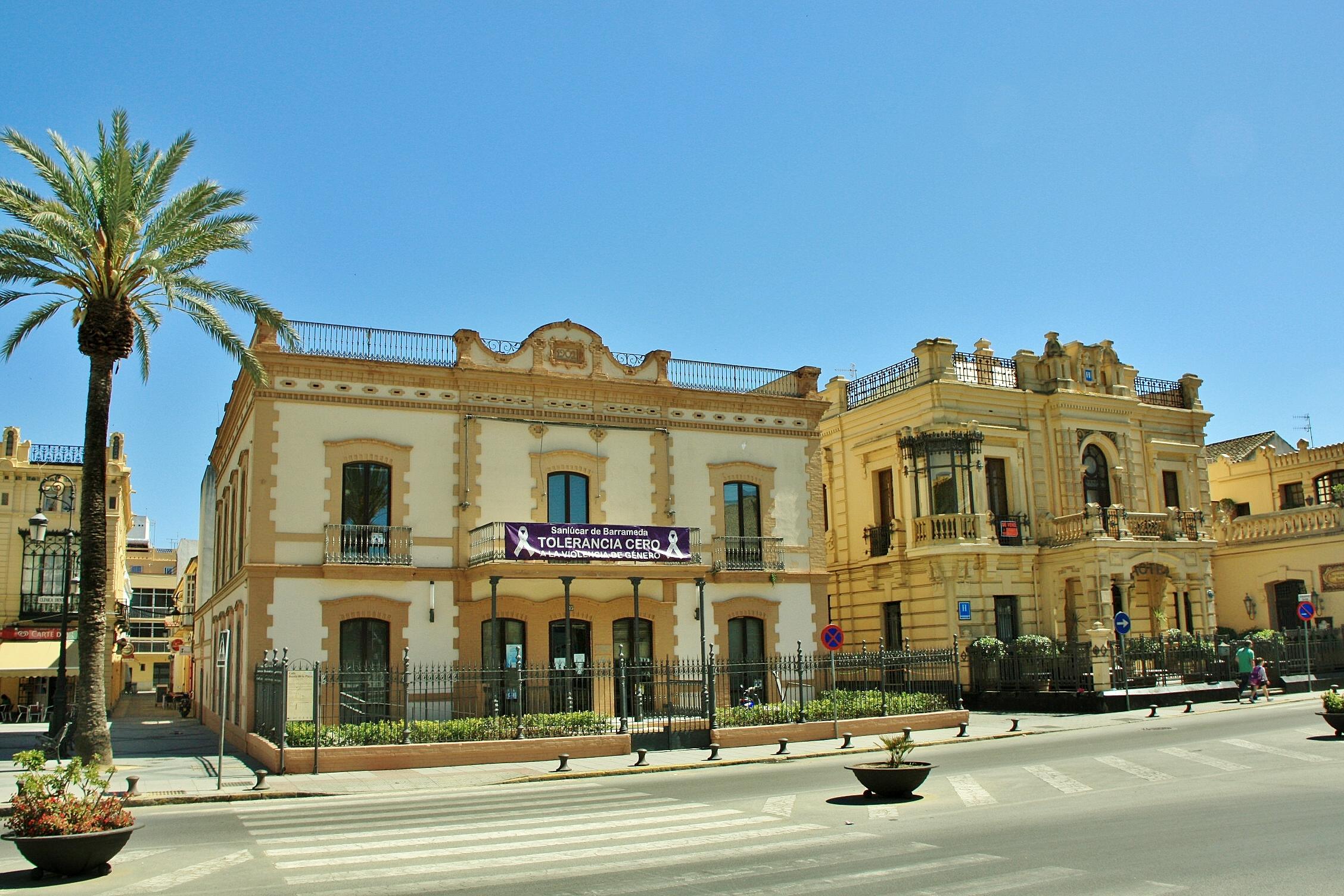 Foto centro hist rico sanl car de barrameda c diz espa a - Centro historico de madrid ...