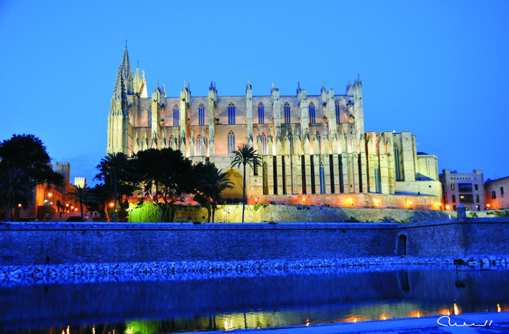 Foto la catedral palma de mallorca illes balears espa a - Fotografia palma de mallorca ...
