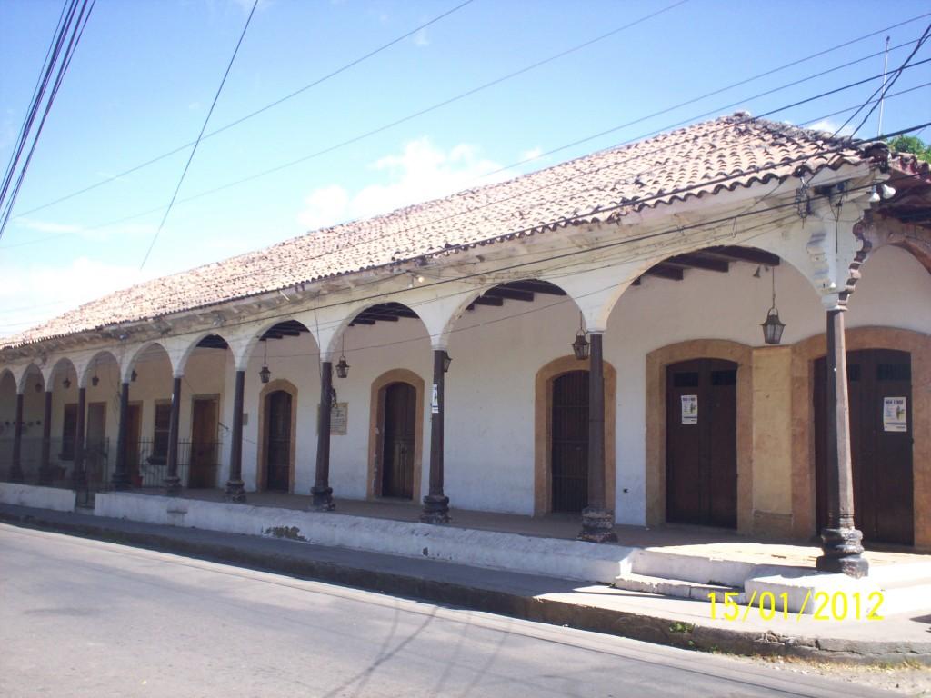Foto casa donde nacio jose cecilio el valle choluteca - Casas en el valles occidental ...