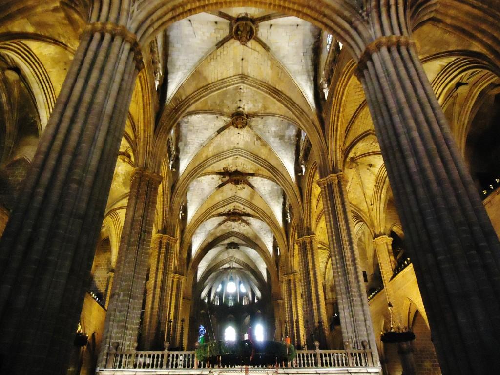 Foto interior de la catedral barcelona catalu a espa a for Catedral de barcelona interior