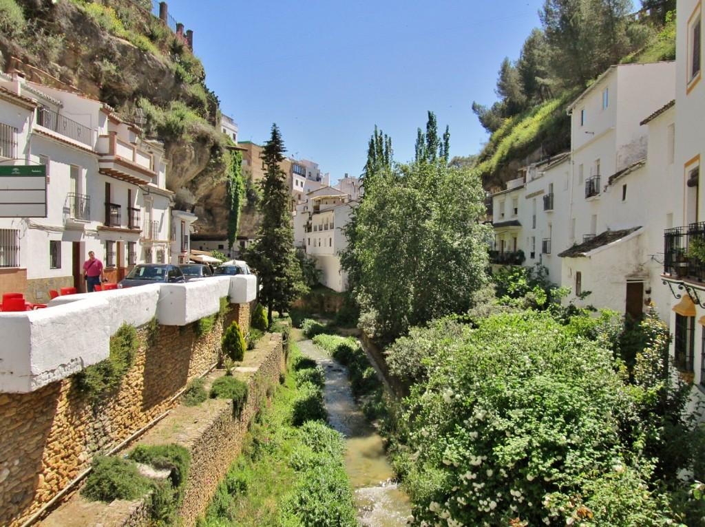 Foto centro hist rico setenil de las bodegas c diz - Centro historico de madrid ...