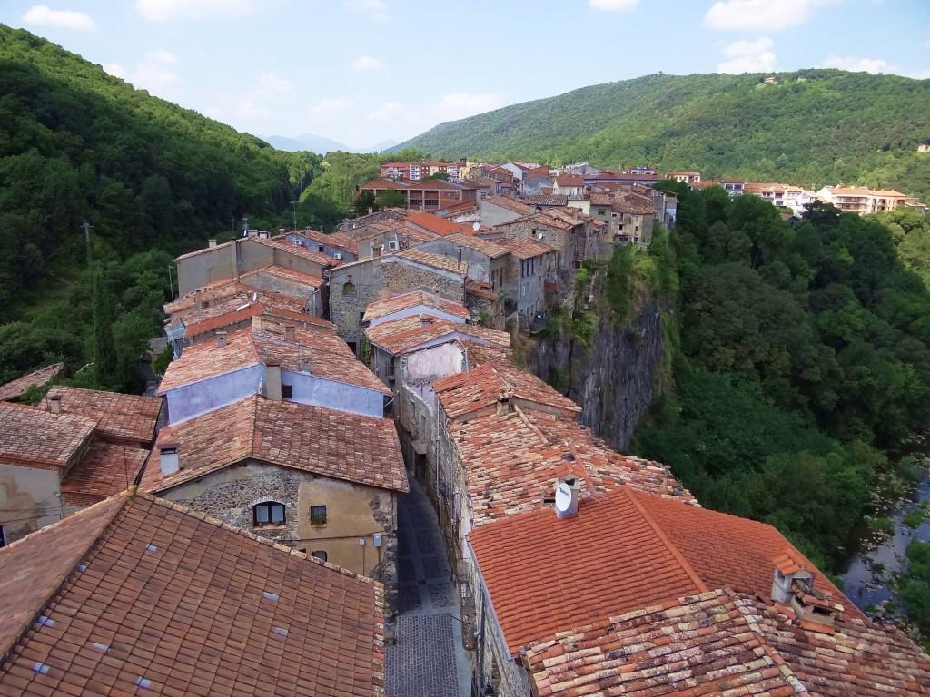 Foto centro hist rico castellfollit de la roca girona for Centro la roca