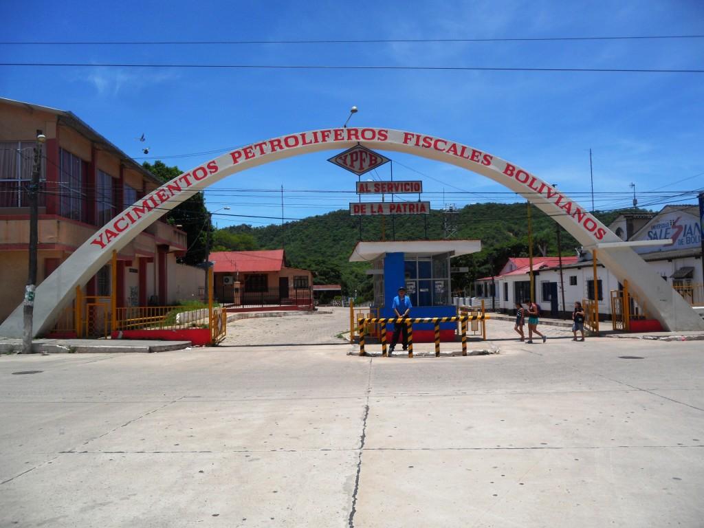 Foto: Antigua Empresa de YPFB en Camiri - Camiri, Bolivia