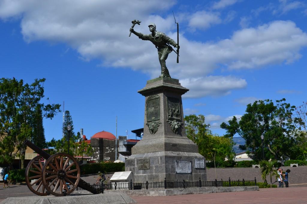 Resultado de imagen para parque juan santamaria alajuela costa rica