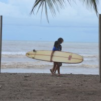 Foto: Surfeando en Jacob - Jacob, Costa Rica