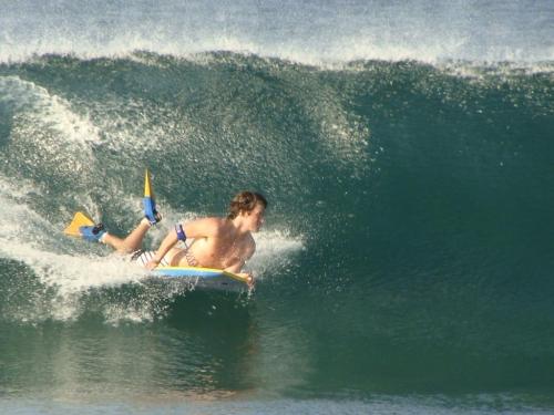 SURFEANDO EN PLAYA ZICATELA PUERTO ESCONDIDO OAX. MEXICO